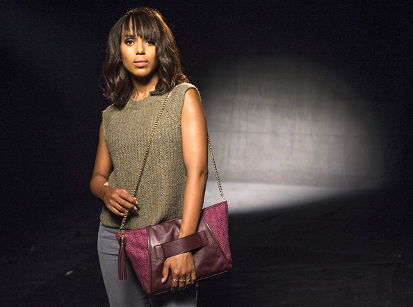 091714-kerry-washington-purple-bag-594